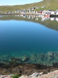 Вода в море отличается кристальной чистотой