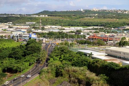 На Гуаме великолепные дороги, всюду царит чистота и порядок