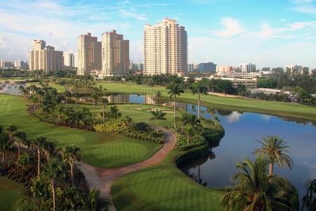 Вид из номера на гольф-поле
