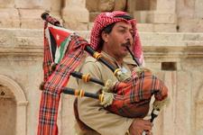 Волынка - почти национальный иорданский музыкальный инструмент
