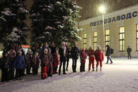 Проводить поезд пришли не только жители Петрозаводска, но и гости города