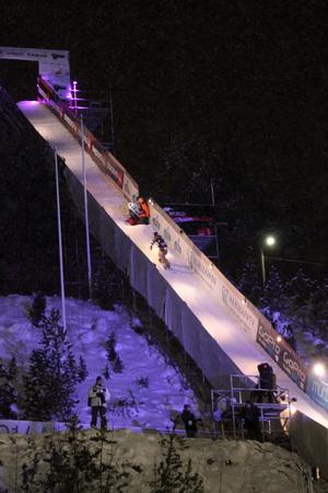 Сноубордисты стартовали с высокого трамплина