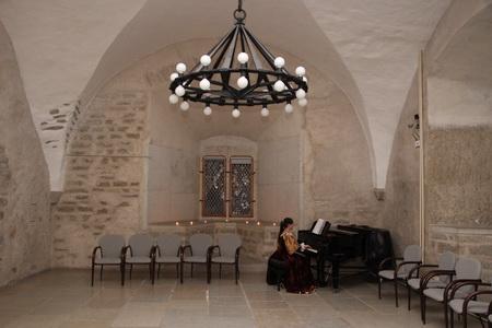 В бывшей рыцарской трапезной ныне проходят концерты