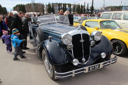 Выставка ретро-автомобилей «Classic Motorshow»
