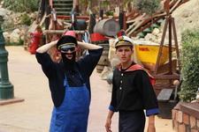 Морячок Попай встречает гостей