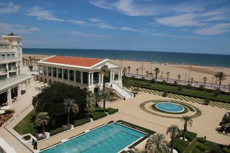 """Вид на пляж из номера отеля """"Las Arenas"""""""