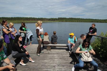 Площадка для отдыха и купания в озере