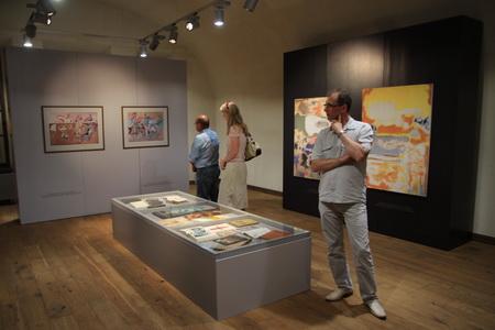 В галерее представлены  работы мастеров абстрактного экспрессионизма