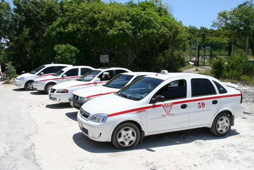 Таксисты в ожидании клиентов