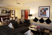 Гостиная в номере «Ramada Plaza»