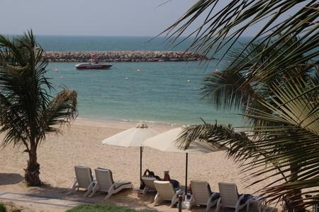 Пляж в Hilton RAK Hotel