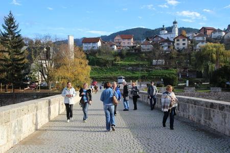 Ныне Вышеградский мост открыт только для пешеходов