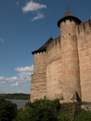 Замок кажется неприступным