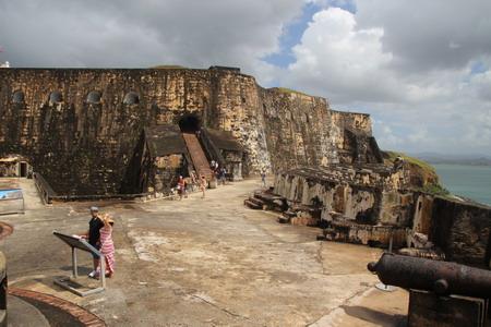 Форт Сан Фелипе дель Морро напоминает скалу