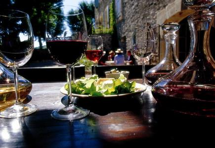 Вино и сыры из провинции Лангедок