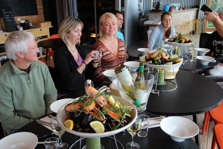 Мидии и норвежские омары