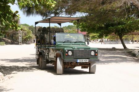 На автомобиле по Гаити