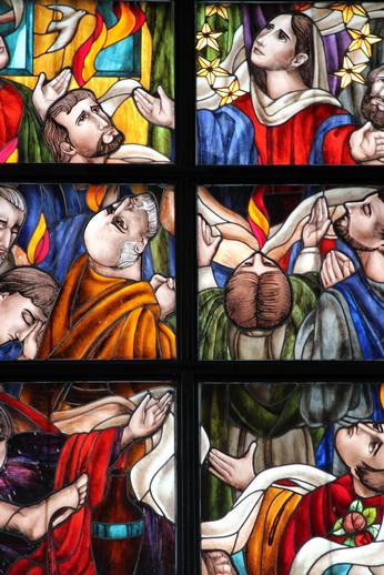 Витраж в церкви Сладчайшего имени Мария