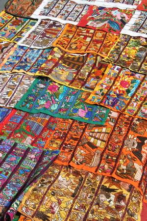 Тканые календари майя выглядят очень жизнерадостно