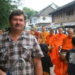 Кормление монахов