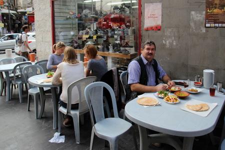 """Вкусно и недорого можно пообедать в сетевом уличном ресторане """"Хашем"""""""