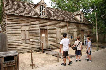 Старейшее в США деревянное здание школы