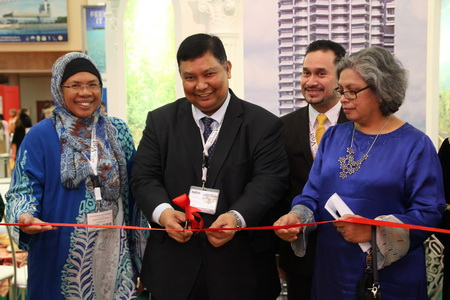 Открытие стенда Малайзии