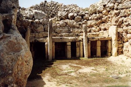 Мегалитический храм