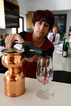 На архипелаге популярны сухие и полусухие красные и белые вина