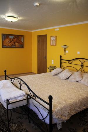 Спальня в Средиземноморском номере