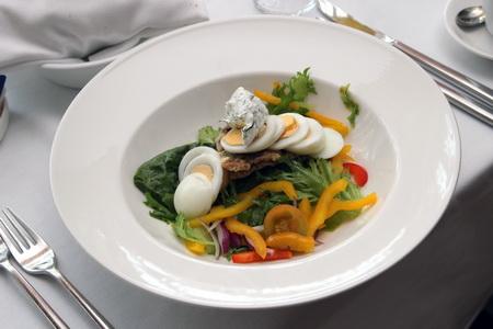 Салат с жареной салакой