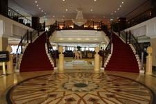 Лобби отеля «Excelsior»