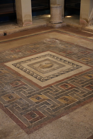 Мозаика римского дворика