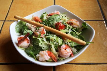 Мальтийский салат с креветками
