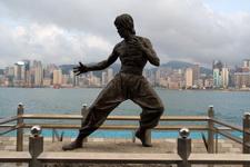 Памятник Брюсу Ли в Гонконге
