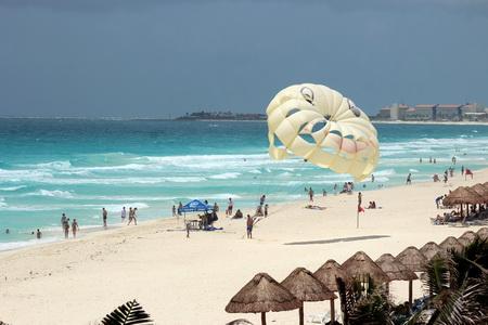 Пляж идеально подходит для съемок рекламного ролика