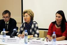 Вера Дементьева, директор ГМЗ «Павловск» (слева) и Пяйви Партанен, директор Музеев Лаппеенранты (справа)