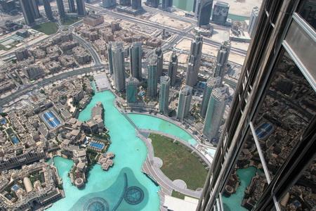 С высоты 472 м Дубай предстает как на ладони