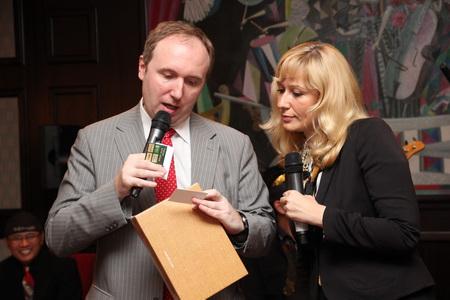 Николай Дергачев, представитель Министерства туризма Индонезии в России и Ольга Логинова, представитель компании «Emirates» в СПб