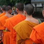 Шри-Ланка. «Katina Pinkama» – церемония вручения одеяния монахам