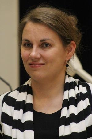 Мартта Халонен, консул по экономике и торговле