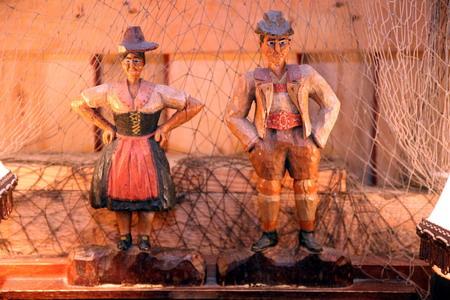 Деревянные фигурки, изготовленные заключенными